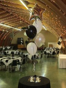 Table heigh balloon centrepieces with mylar star